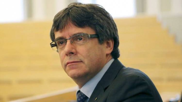 Carles Puigdemont freed on bail by German court
