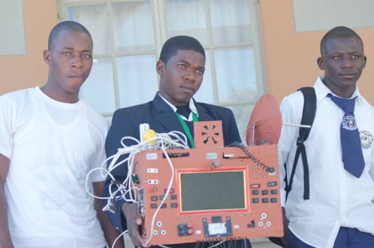 Amazing! Namibian student has invented a phone which does not need a sim card or airtime to make calls